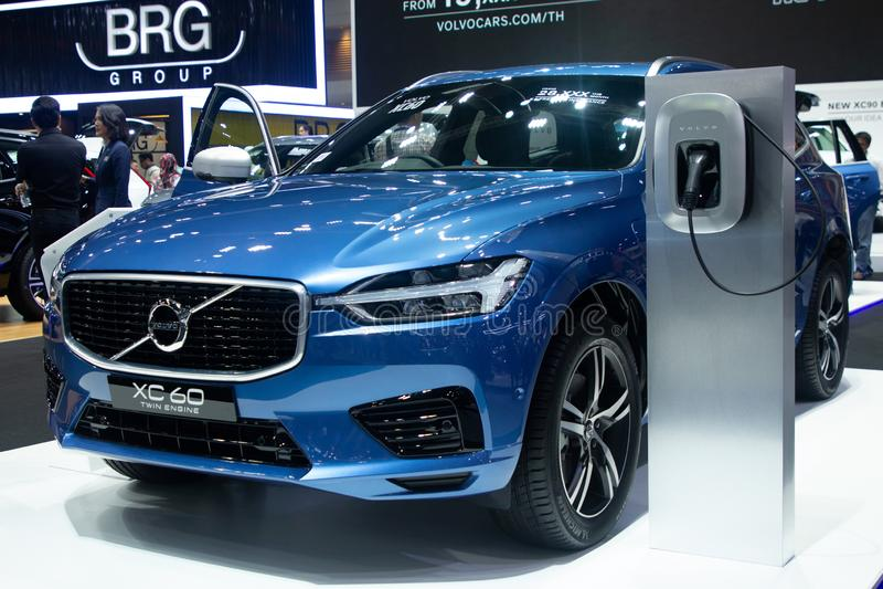 La Thaïlande - décembre 2018 : voiture électrique de luxe de couleur bleue jumelle du moteur 60 de Volvo xc présentée dans l'expo image libre de droits