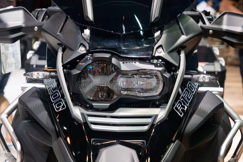La Thaïlande - décembre 2018 : vue franche étroite de BMW R motocyclette de 1200 séries présentée dans l'expo Nonthaburi Thaïland image stock