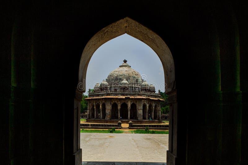 La tomba di Isha khan ciao era un nobile di Pashtun nelle corti dello scià Sur di Sher dentro la tomba di Humayun; Delhi fotografia stock libera da diritti