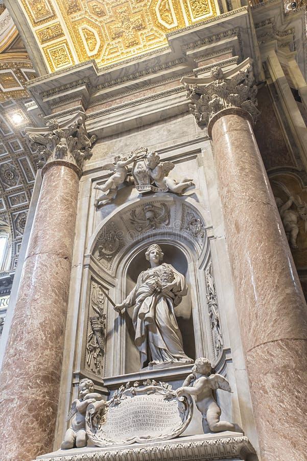 La tombe de Matilda Tuscan en basilique de St Peter vatican rome image stock