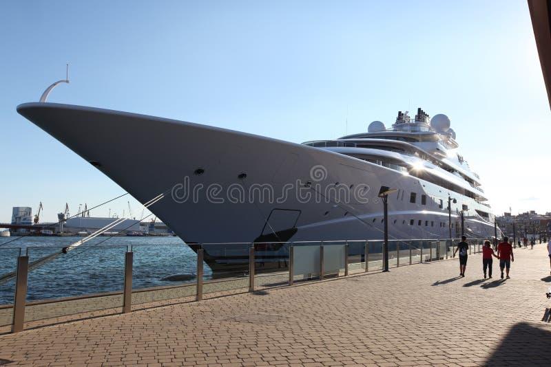 La topaze est un constru de luxe de yacht de moteur image libre de droits
