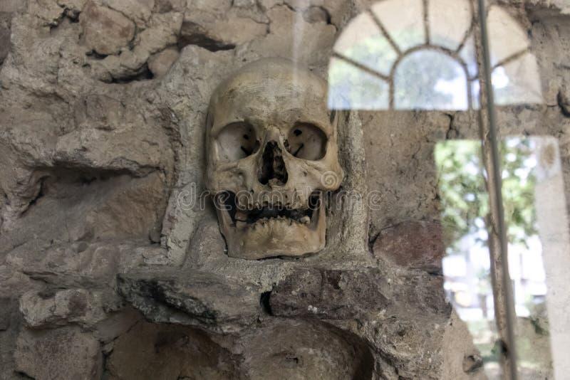 La torre Cele Kula- del cráneo construyó de los 3000 cráneos de guerreros servios muertos después de la sublevación en 1809 en la foto de archivo