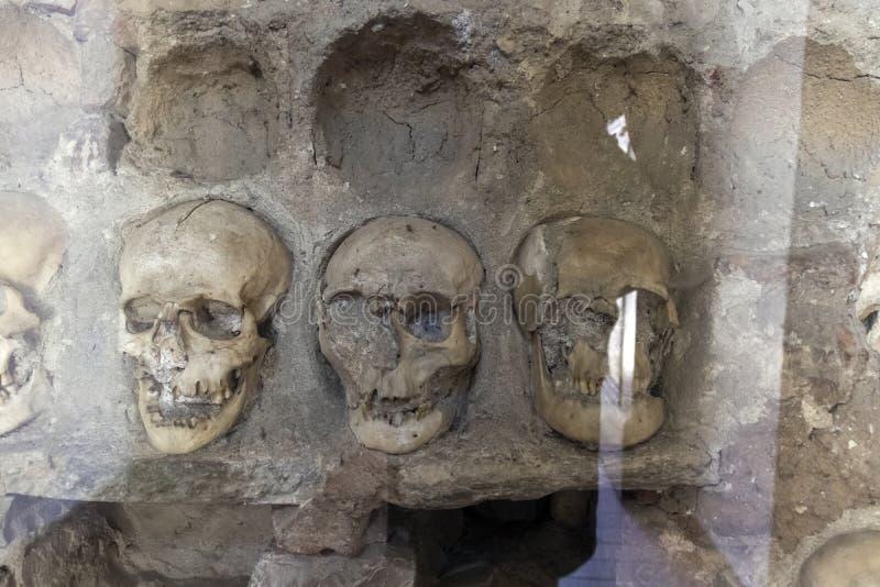 La torre Cele Kula del cranio - costruito dai 3000 crani dei guerrieri serbi morti dopo la rivolta in 1 fotografia stock libera da diritti