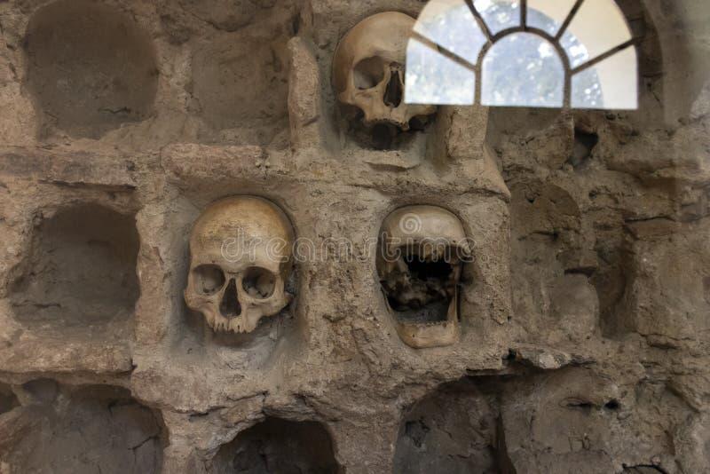 La torre Cele Kula del cranio - costruito dai 3000 crani dei guerrieri serbi morti dopo la rivolta in 1 immagini stock libere da diritti