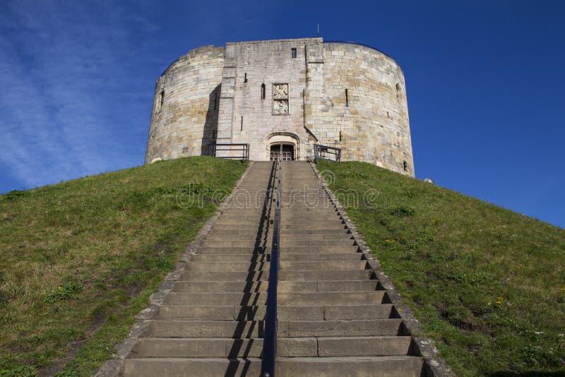 La torre de Clifford en York imagenes de archivo