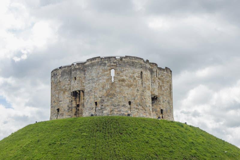 La torre de Clifford es una de las señales más queridas en York imagen de archivo libre de regalías