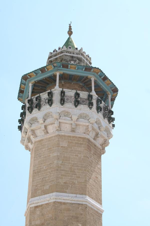 La torre de la gran mezquita en Túnez imagen de archivo libre de regalías
