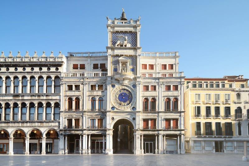 La torre de reloj astronómica con el zodiaco firma adentro Venecia fotos de archivo libres de regalías