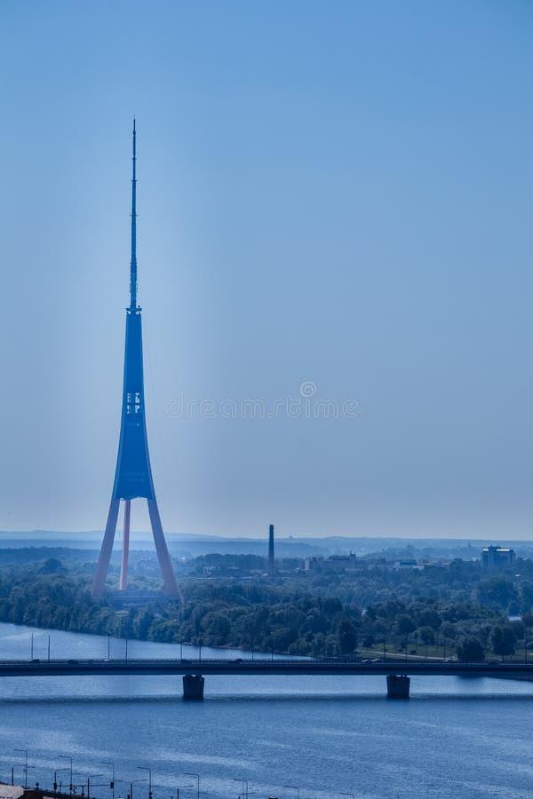La torre de la TV de Riga, Letonia fotografía de archivo libre de regalías