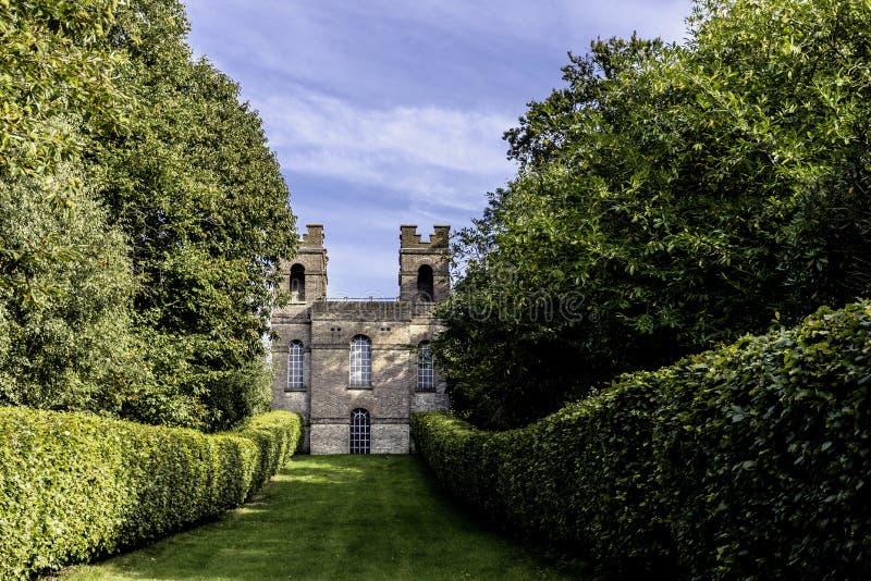 La torre del belvedere en el jardín del paisaje de Claremont fotos de archivo