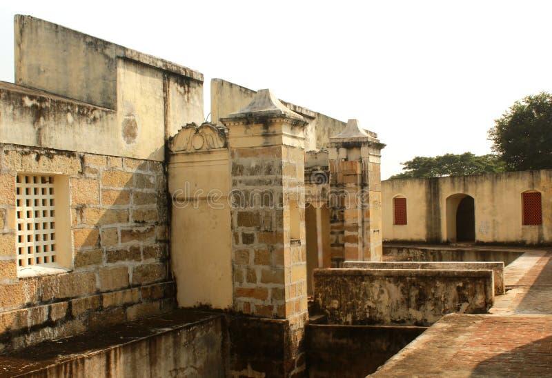 La torre del fuerte de Manora con la trayectoria de la entrada con el foso foto de archivo libre de regalías
