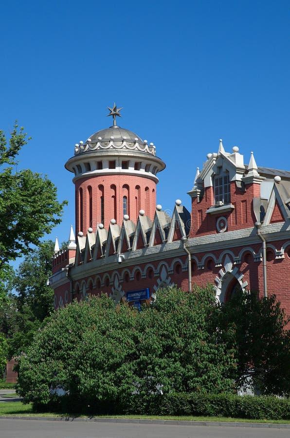 La torre del palacio del viaje de Petrovsky en Moscú, Rusia fotos de archivo