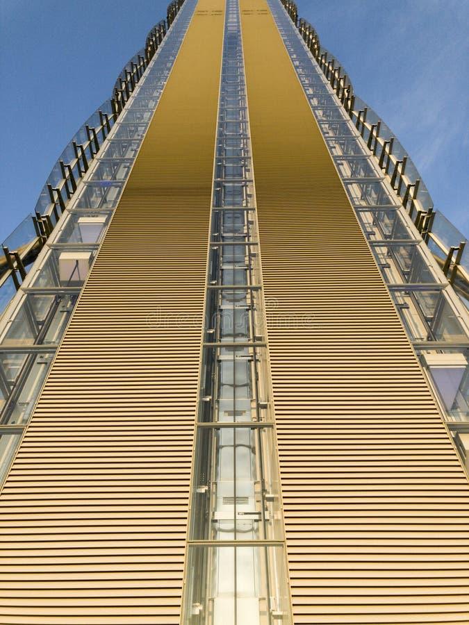 La torre dell'Allianz, IL Dritto, quello diritto è un pavimento 50 un grattacielo alto dei 209 tester a Milano, Italia immagini stock libere da diritti