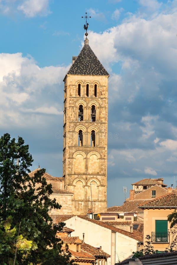 La torre della chiesa di San Esteban a Segovia (Sapin) fotografie stock libere da diritti