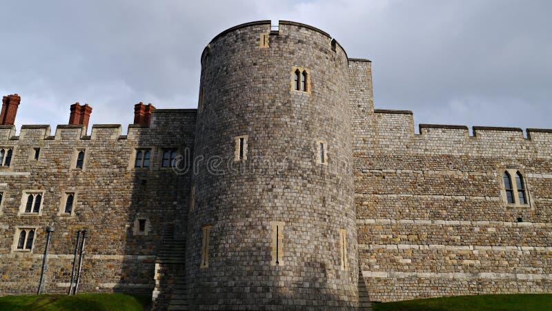 La torre della giarrettiera a Windsor Castle in Berkshire Regno Unito immagini stock