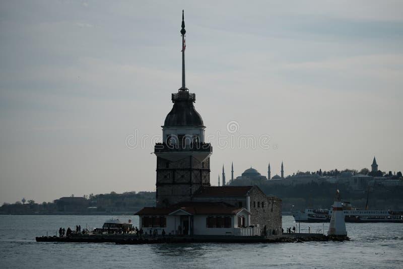 La torre della ragazza nel tramonto Incrocio di Bosphorus Costantinopoli, Turchia fotografie stock libere da diritti