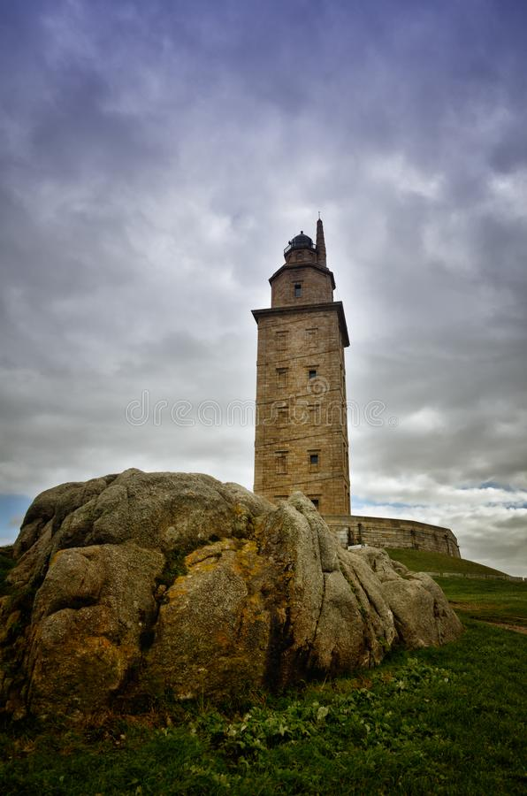 La torre di Ercole, è un faro romano antico vicino alla città di un ½ a del ¿ di Coruï, nel Nord della Spagna fotografia stock