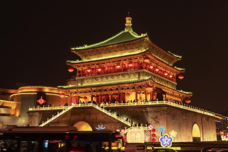 La torre di orologio alla notte fotografie stock