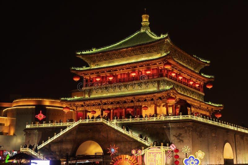 La torre di orologio alla notte fotografia stock libera da diritti