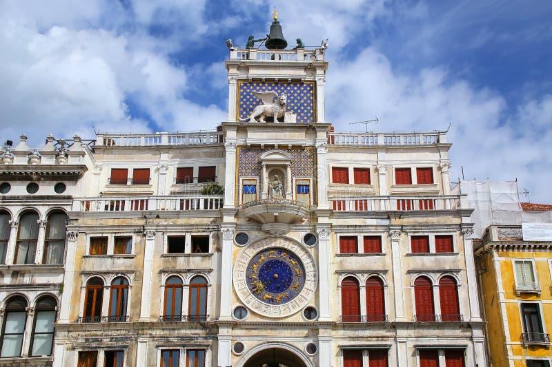 La torre di orologio su Piazza di San Marco a Venezia, Italia fotografia stock libera da diritti