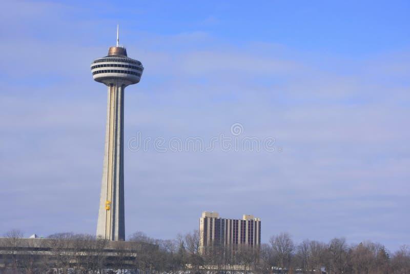 La torre di Skylon, cascate del Niagara, Ontario, Canada immagini stock libere da diritti