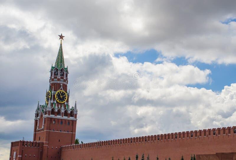 La torre di Spasskaya del Cremlino di Mosca immagine stock libera da diritti