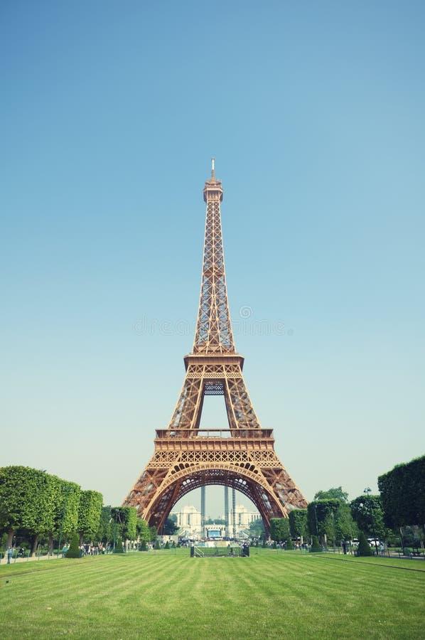La torre Eiffel, París - Francia foto de archivo
