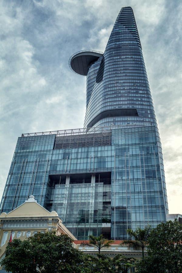 La torre financiera de Bitexco, el edificio m?s alto de Vietnam fotografía de archivo