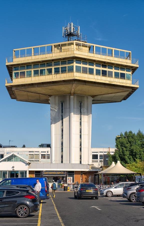 La torre icónica del penino en los servicios de autopista de Lancaster M6 Lancashire imagen de archivo