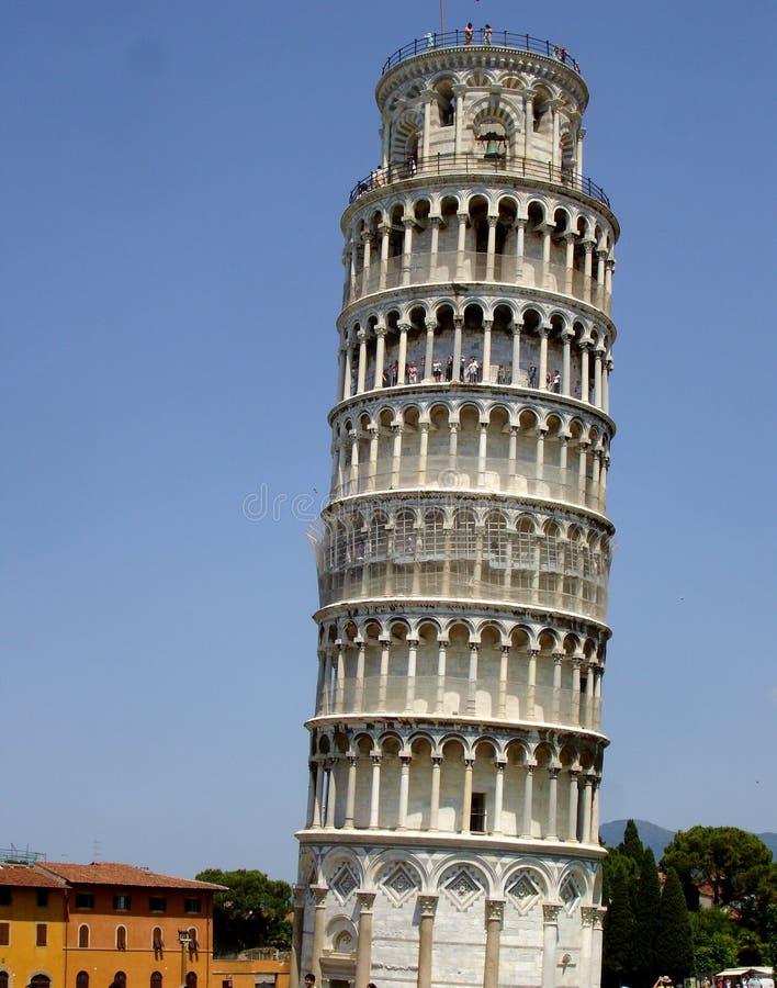 La torre inclinada en Pisa, Italia foto de archivo libre de regalías