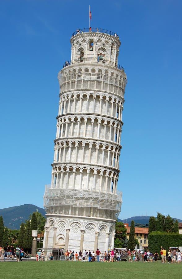 La torre inclinada famosa en Pisa fotos de archivo