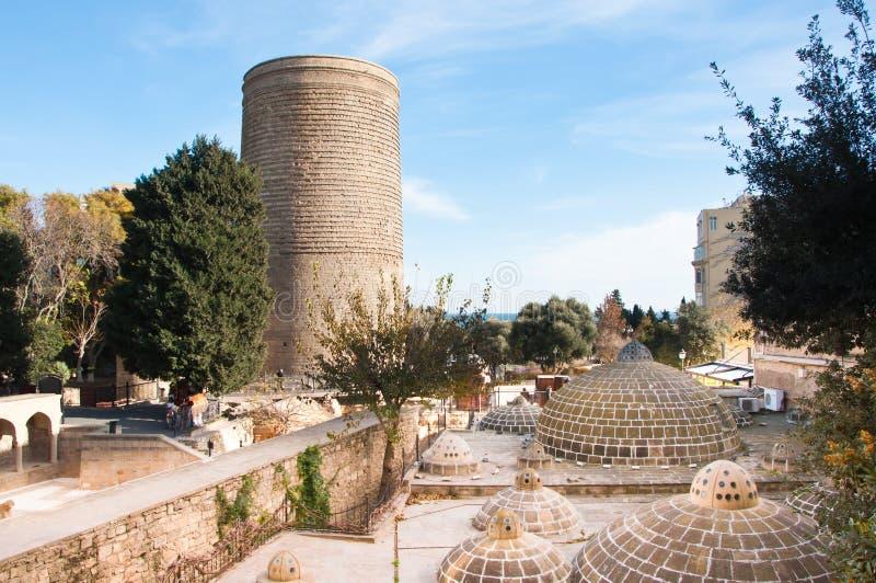 La torre nubile, Bacu, Azerbaigian immagini stock libere da diritti