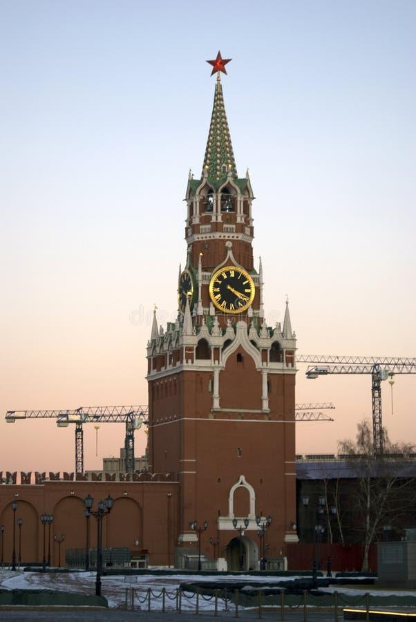 La torre orologeria Spasskaya Saviers del Cremlino di Mosca Foto a colori fotografie stock libere da diritti