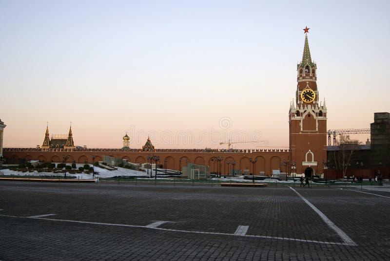 La torre orologeria Spasskaya Saviers del Cremlino di Mosca Foto a colori fotografia stock libera da diritti
