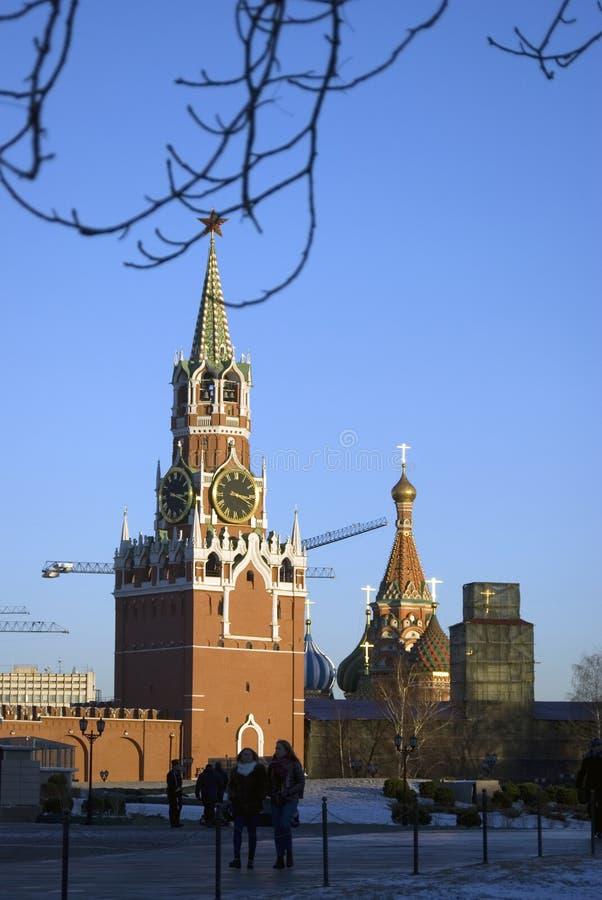 La torre orologeria Spasskaya Saviers del Cremlino di Mosca Foto a colori immagine stock