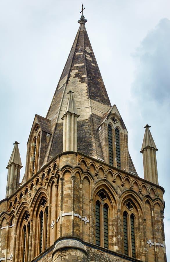 La torre que cruza de la catedral de la iglesia de Cristo Universidad de Oxford inglaterra foto de archivo libre de regalías