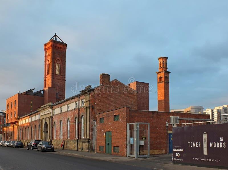 La torre storica costruisce torri di campanile in stile italiano, attualmente in fase di modernizzazione e fotografie stock