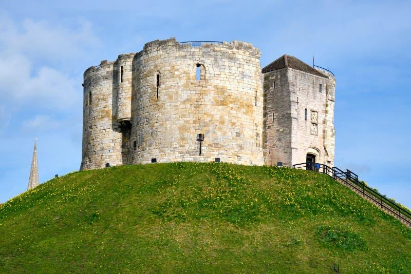 La torre storica di Cliffords a York immagini stock libere da diritti