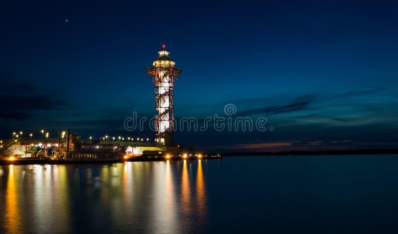 La torre subito dopo il tramonto immagini stock