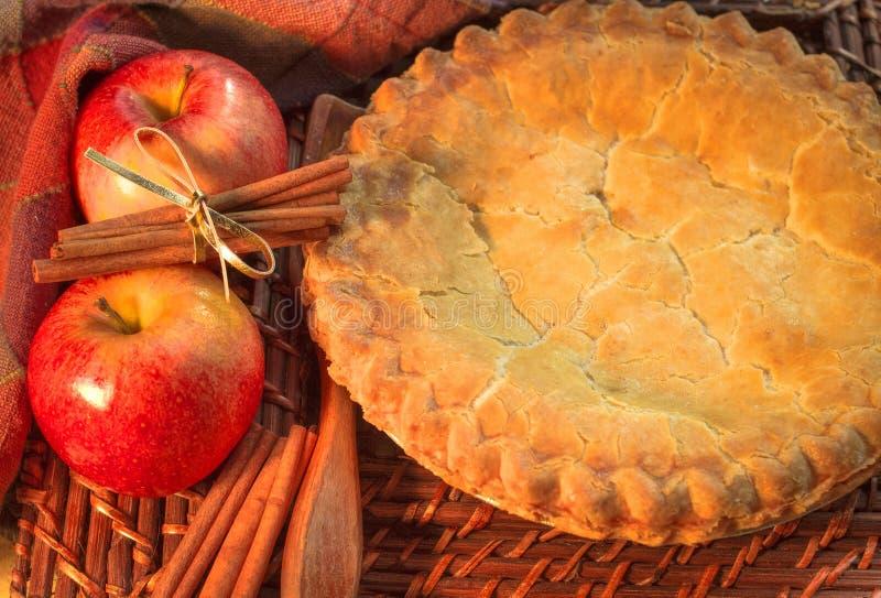 La torta di mele della nonna fotografie stock libere da diritti