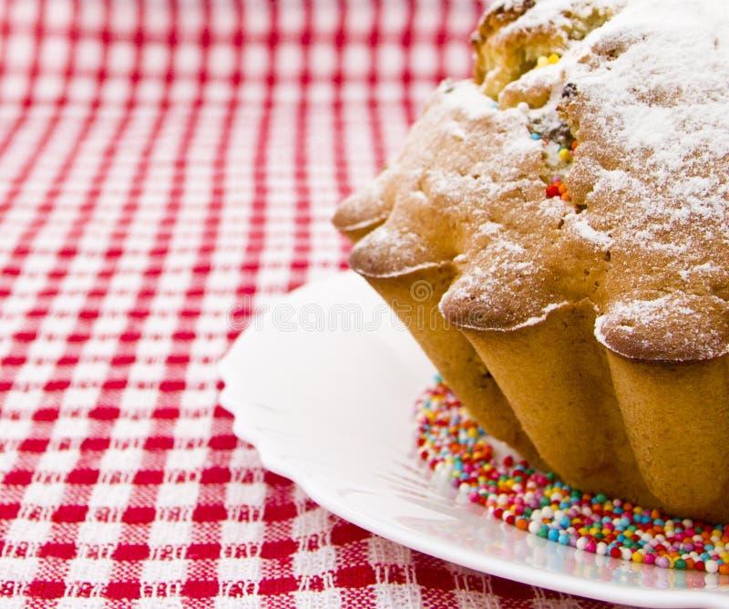 La torta ha impolverato con lo zucchero a velo fotografie stock libere da diritti