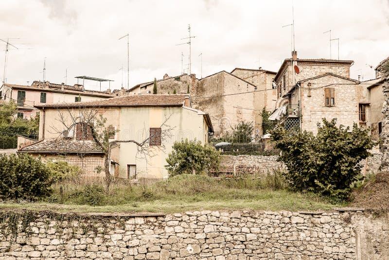 La Toscana - la città singolare ed adorabile di Asciano fotografie stock libere da diritti
