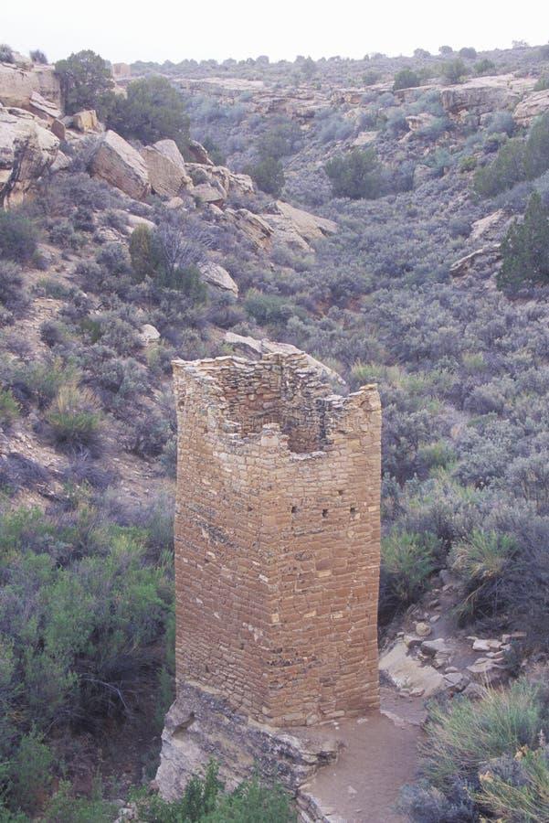 La tour carrée aux ruines indiennes de monument national de Hovenweep, UT image stock