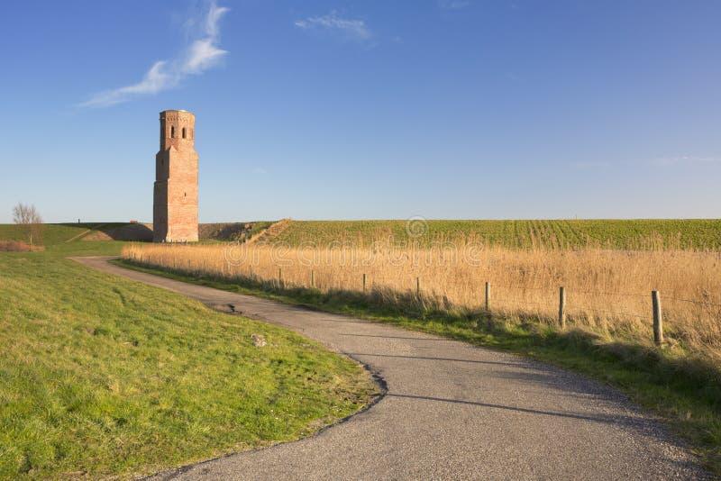 La tour d'église de Plompe Toren en Zélande, Pays-Bas photographie stock libre de droits
