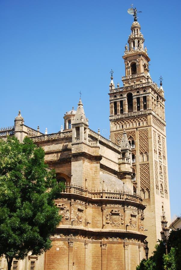 La tour de Giralda de la cathédrale photos stock