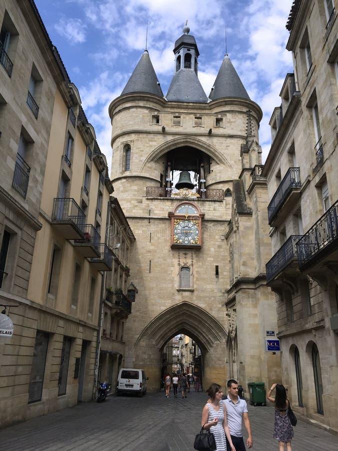 La tour de l 39 horloge la grosse cloche bordeaux france for Appartement bordeaux grosse cloche