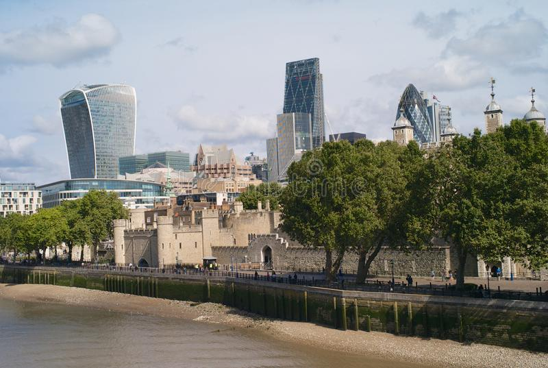 La tour de Londres et de la ville de Londres photo stock