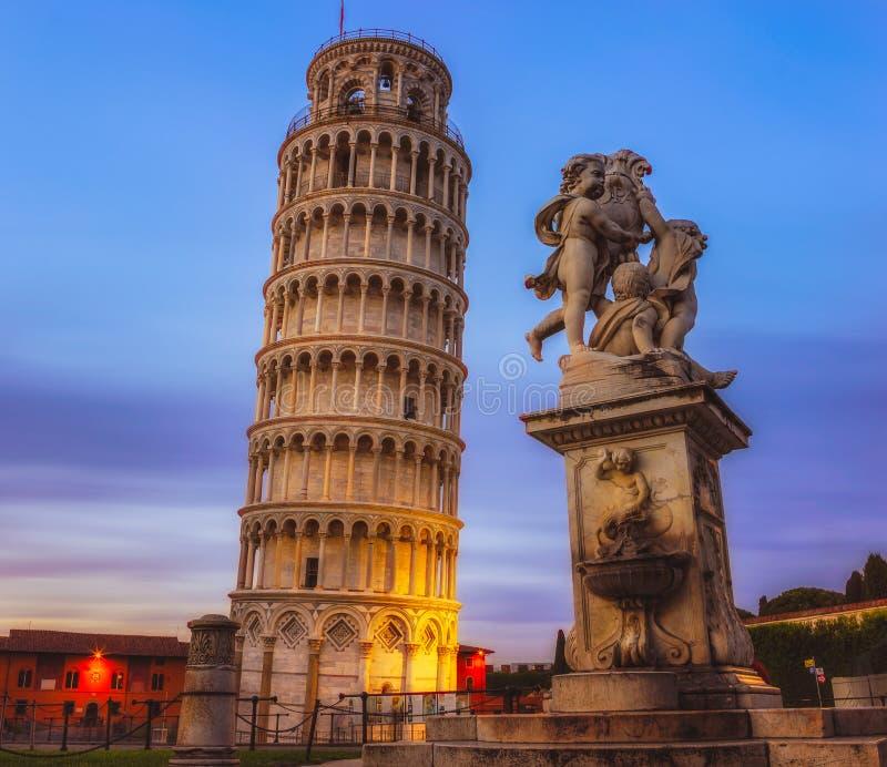La tour penchée de Pise images libres de droits