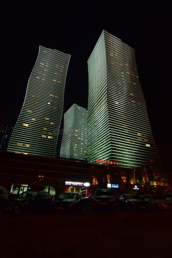 La tour résidentielle a appelé les LUMIÈRES POLAIRES à Astana, Kazakhstan photo stock