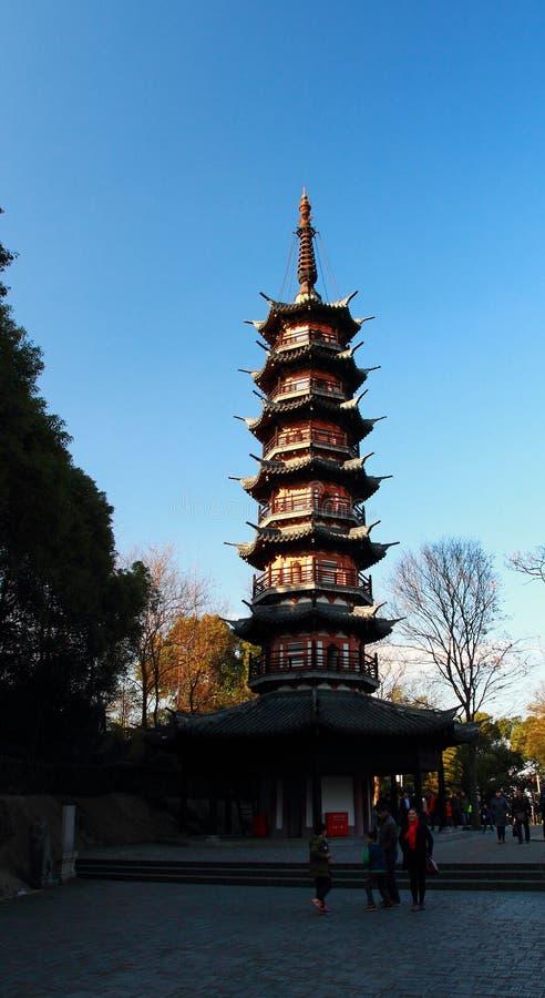 La tour traditionnelle chinoise a appelé le ` de tour de zhe de dao de Xiu de ` sur la colline de Sheshan images stock